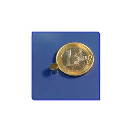 Imán de neodimio Ref. D02Au Disco Acabado Oro 5x5mm Pack 10