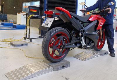 Báscula para pesar moto. Pesado independiente por rueda
